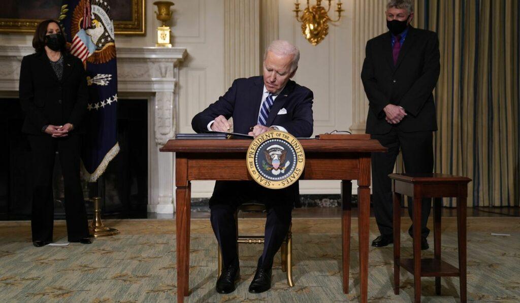 Biden anuncia que EEUU buscará la neutralidad de carbono