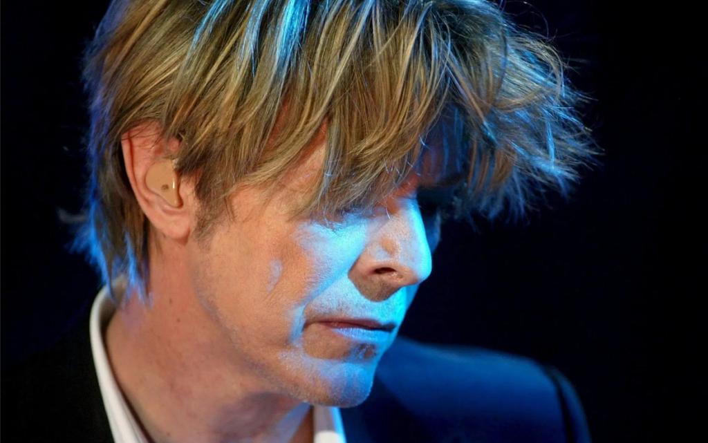 David Bowie reaparece con CD inédito
