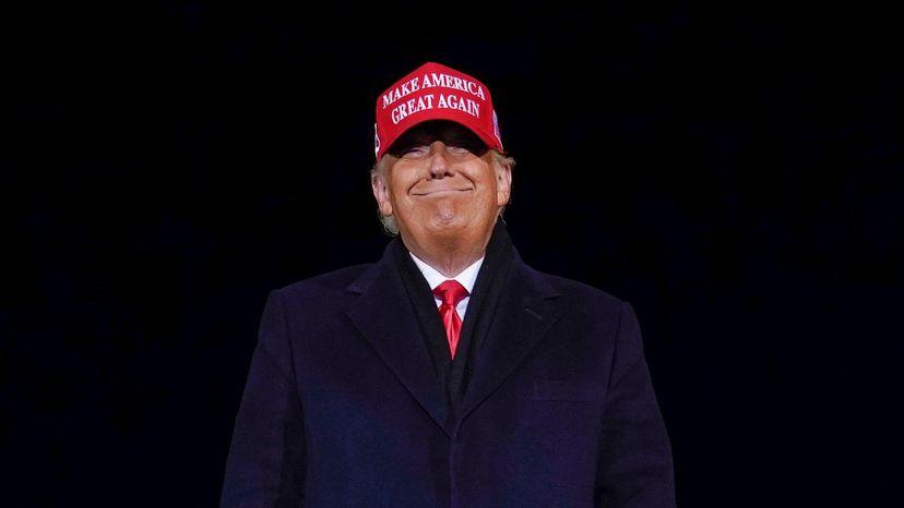 Fuera de la Presidencia y de Twitter, Trump bajó el volumen