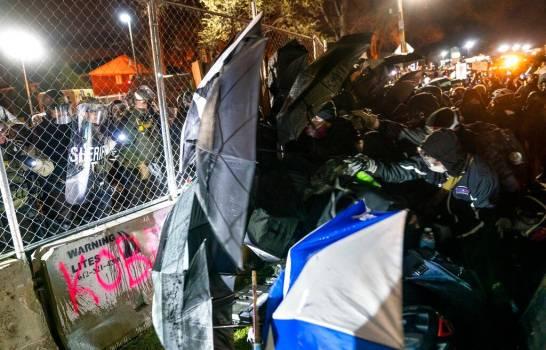 Medio centenar en Miami protestaron por la muerte de Wright