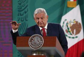 AMLO asegura que la vacunación en México avanza conforme lo previsto