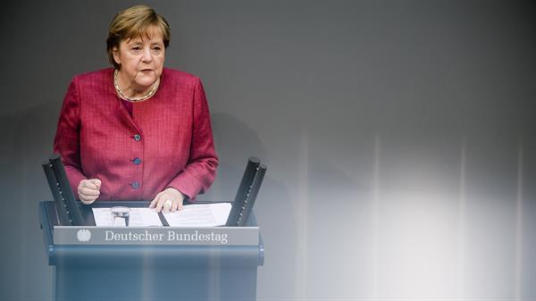 Merkel pide un toque de queda para una Alemania presa del covid-19