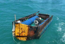 EEUU repatria a 14 cubanos rescatados de embarcación