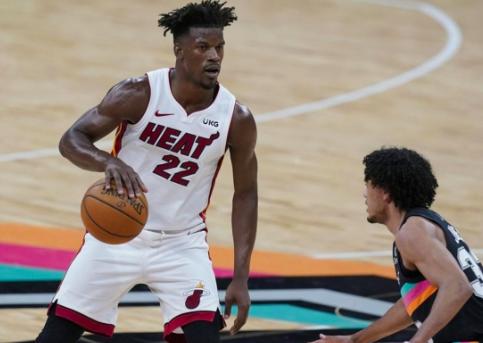 Adebayo y Butler muestran la recuperación de Heat con nuevo triunfo ante Spurs
