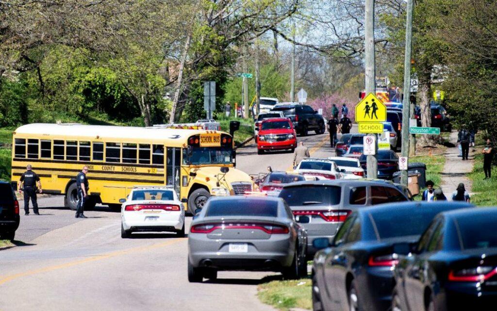 Varias víctimas por tiroteo en secundaria de Tennessee