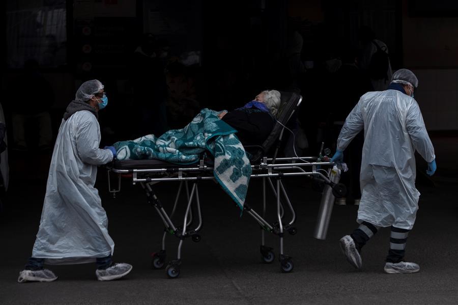 Chile vuelve a superar los 7.000 casos de covid