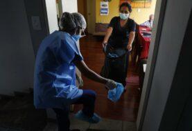Perú acelera para vacunar para mayores de 80 años
