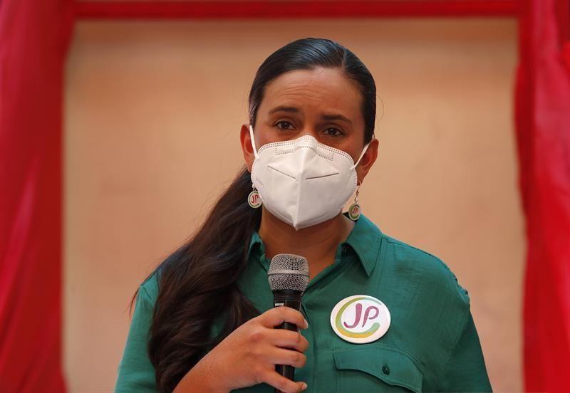 Candidata peruana reconoce a Maduro como interlocutor
