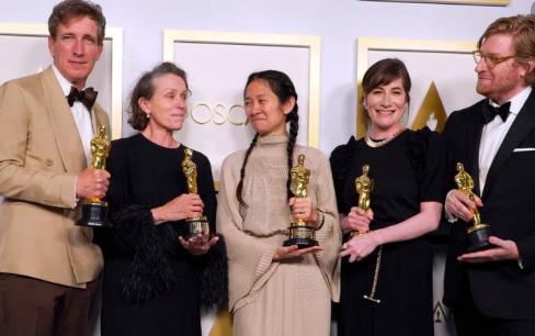 """""""Nomadland"""" hace historia en los Óscar de la pandemia"""