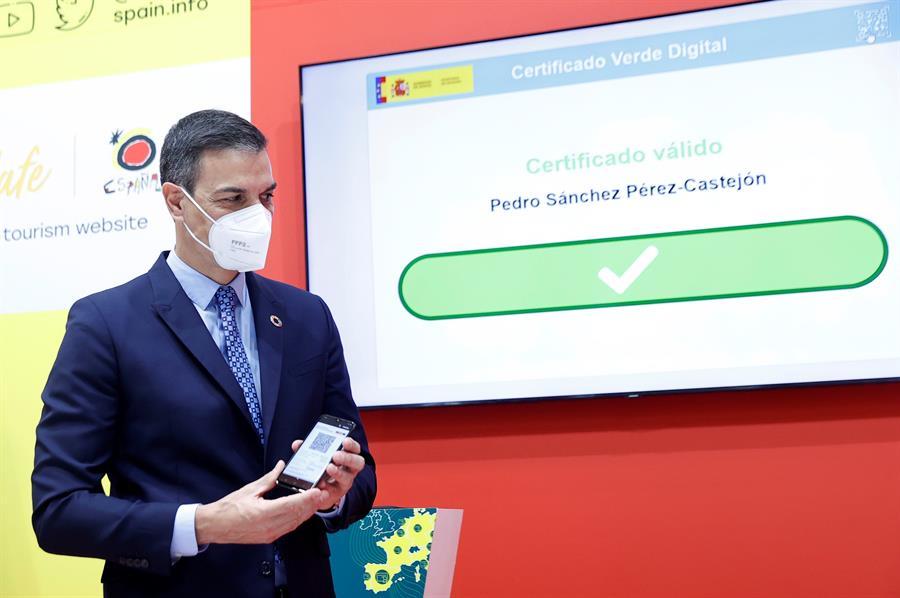 España permitirá acceso a los vacunados de cualquier país