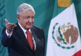 López Obrador critica al gobernador del Banco de México pese a autonomía