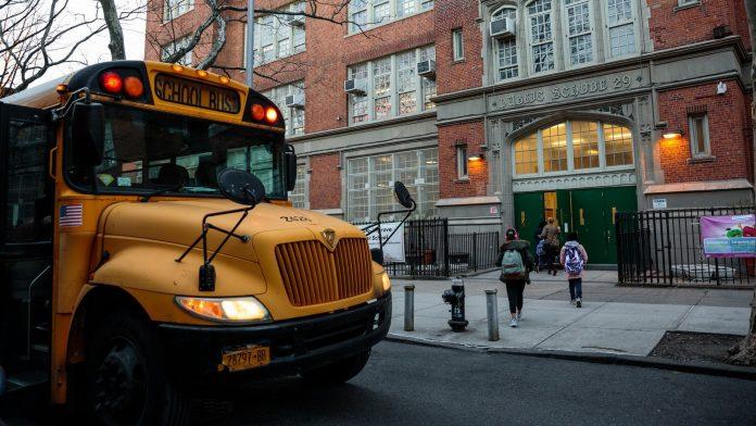 Nueva York reabrirá por completo sus escuelas en septiembre