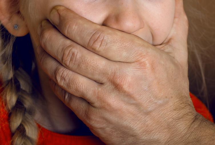 Niña de 11 años pelea y escapa de un secuestrador en Florida