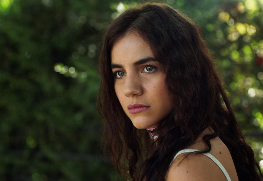 Ela Velden madura como actriz en series