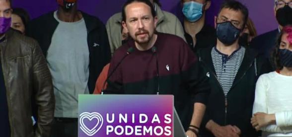 Izquierdista Pablo Iglesias tira la toalla en la política tras su fracaso en Madrid