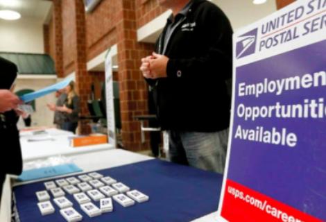 Solicitudes semanales del subsidio por desempleo en EEUU bajan a 444.000