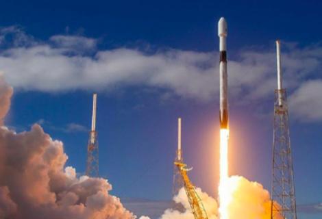 SpaceX lanza al espacio 60 satélites más para su red de internet Starlink