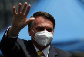 Bolsonaro pide al Supremo quitar restricciones contra la covid