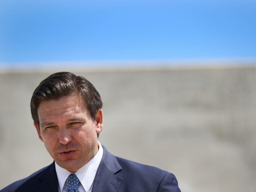 Minorías demandan al gobernador de Florida