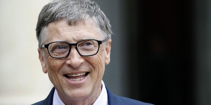 Gates dejó Microsoft tras investigación por relación romántica