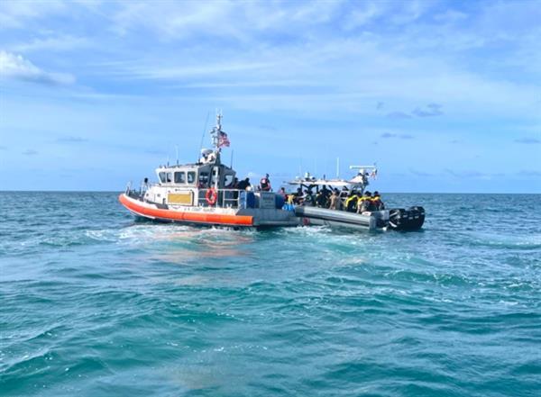 EEUU busca a decena de inmigrantes cubanos que zozobraron en costa de Florida