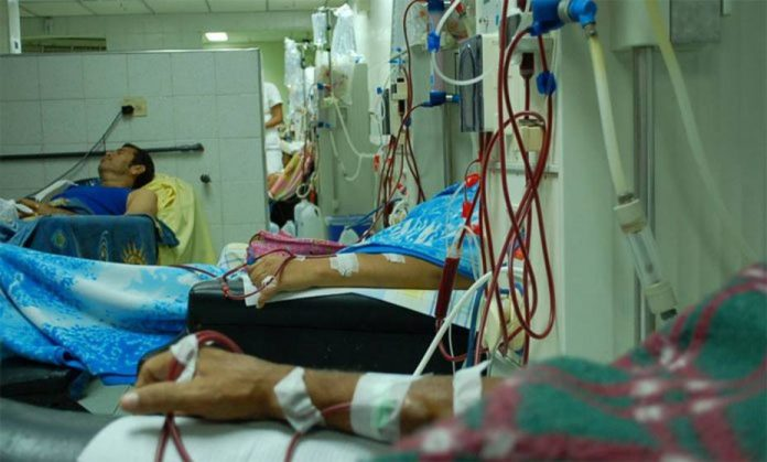 Pacientes renales denuncian abandono por el chavismo