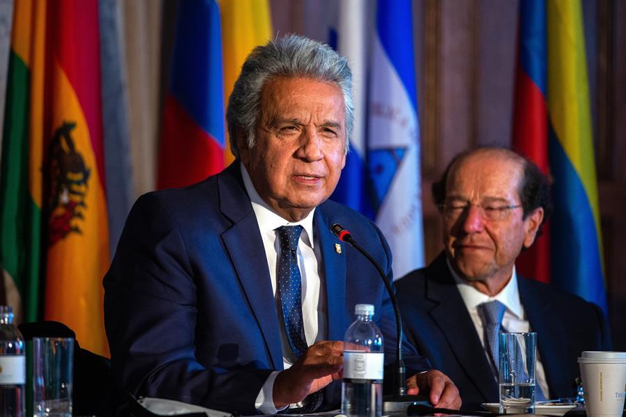 Moreno pide a líderes cerrar filas en defensa de la democracia