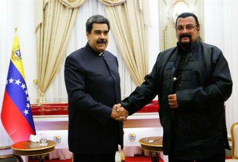 Maduro recibe al actor Steven Seagal en Miraflores