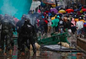 Fiscalía y Defensoría vinculan 20 muertes al mes de protestas en Colombia