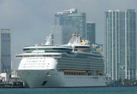 Juez apela a la mediación en demanda por reactivación de cruceros en EE.UU.