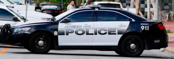 Policía de Miami culpa a agentes de la desaparición de 25 rifles AR-15