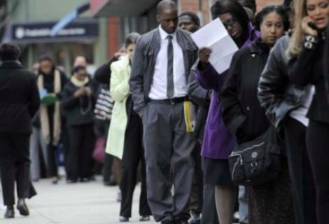 Desempleo en EEUU sube una décima en abril, al 6,1 %