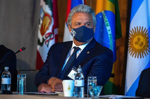 "Presidente Moreno denuncia ""grosera"" intromisión de Maduro en Colombia"