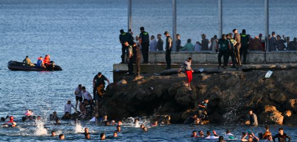 España devuelve a Marruecos 6.000 inmigrantes llegados a Ceuta