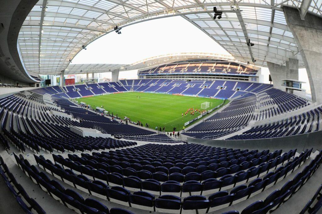 Estadio del Oporto acogerá la final de la Champions