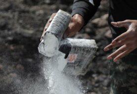 Vigilante encuentra en una playa 24 fardos de cocaína
