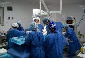 Médico de Florida extrae por error un testículo a paciente