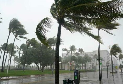 Elsa se acerca al Caribe y se convierte en huracán