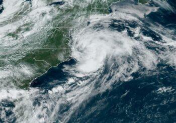 Claudette se mueve veloz por aguas del Atlántico norte