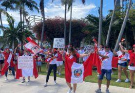 """Peruanos en Miami protestas contra el """"fraude"""" electoral"""