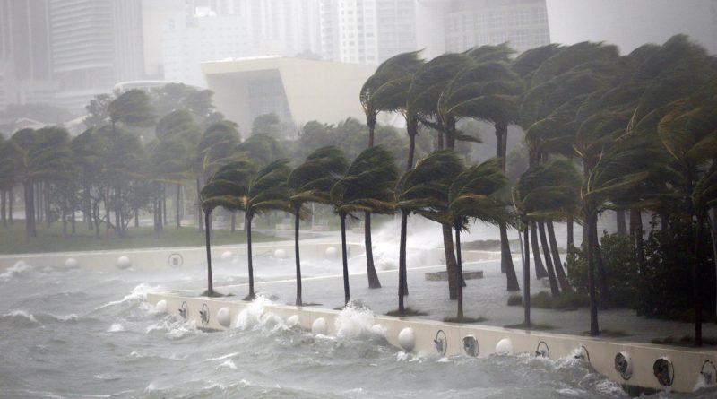 Meteorólogos de EEUU vigilan sistemas en el Atlántico