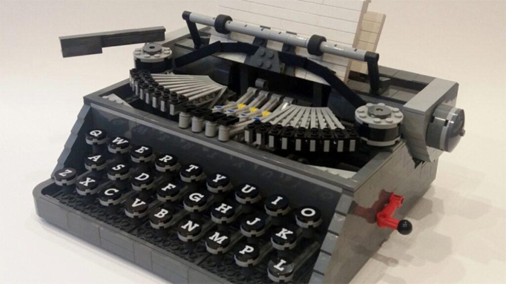 Lego anuncia su nueva máquina de escribir