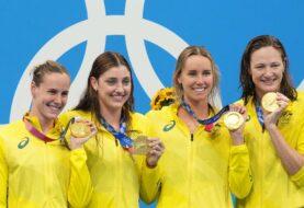 Australia bate récord y gana oro en 4x100 m libre
