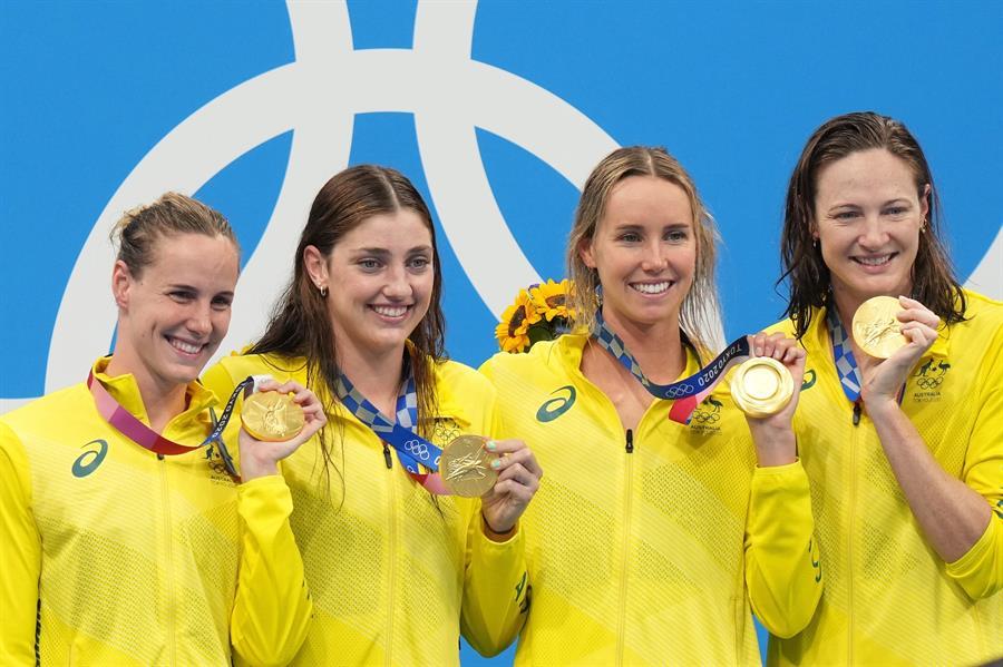 Australia bate récord y gana oro en 4×100 m libre