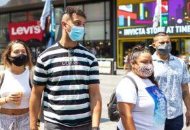 EEUU pide a vacunados llevar mascarilla en interiores