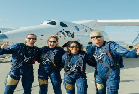 Virgin Galactic lleva a Richard Branson al espacio