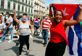 """Políticos y artistas aplauden el """"despertar"""" de Cuba"""