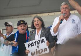 """Alcaldesa de Miami: """"Nos unimos para decirle al régimen que estamos con los cubanos"""""""