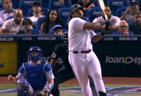 Jesús Aguilar pega jonrón y deja a los Dodgers en el terreno