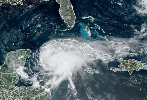 Grace se fortalece rumbo a la península de Yucatán